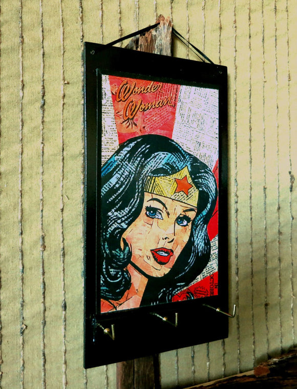 Entryway Organizer Wonder Woman Key Rack