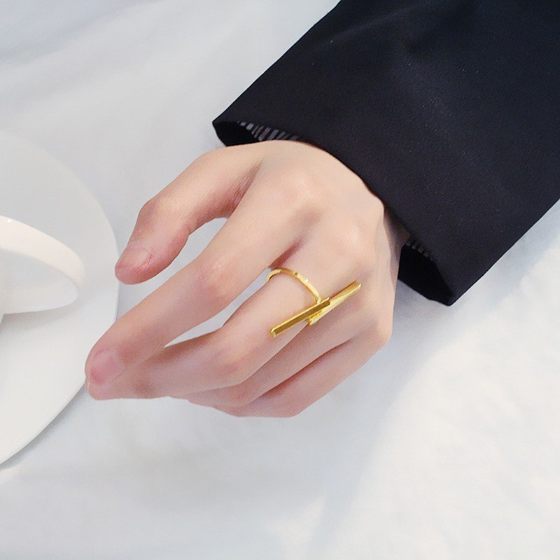 Chic Geometric Open Rings