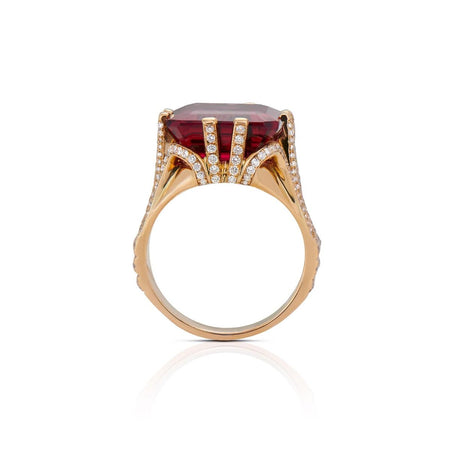 RUBELLITE, DIAMOND, 18K YELLOW GOLD RING