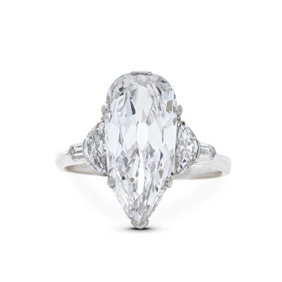 ART DECO DIAMOND, PLATINUM ENGAGEMENT RING