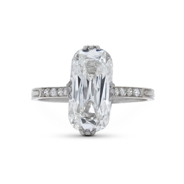 ANTIQUE MOVAL-SHAPED DIAMOND AND PLATINUM RING