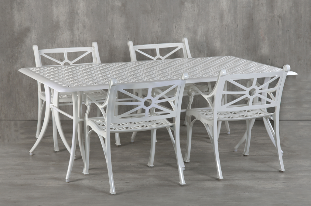 The Vega Diamond Outdoor dining table and chair set