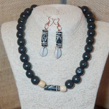 Chunky Necklace with Cowrie Shell Earrings