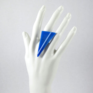 Triangle modern glass statement ring in cobalt blue with light blue bar