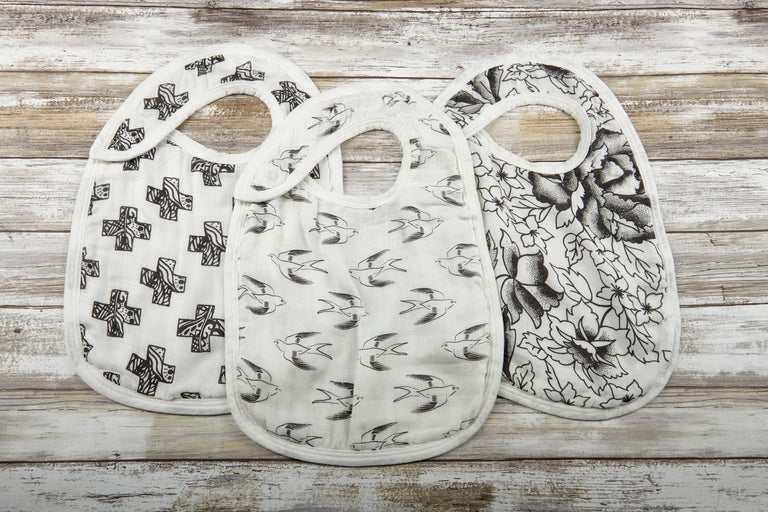 Black and White Snap Bibs Set of 3 - gobabyco