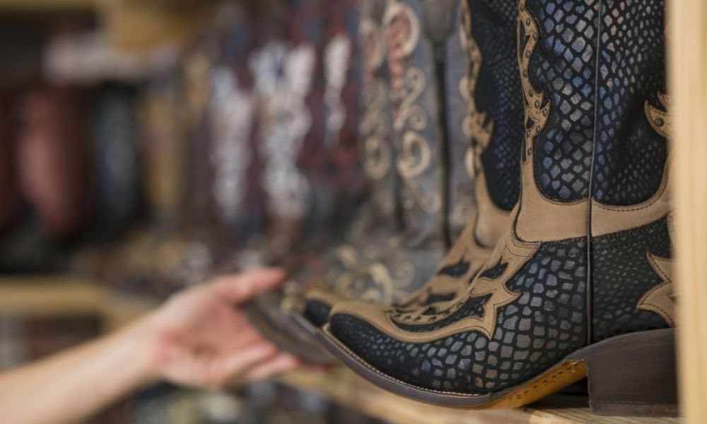 Top Tips for Buying Cowgirl Boots for First-Timers