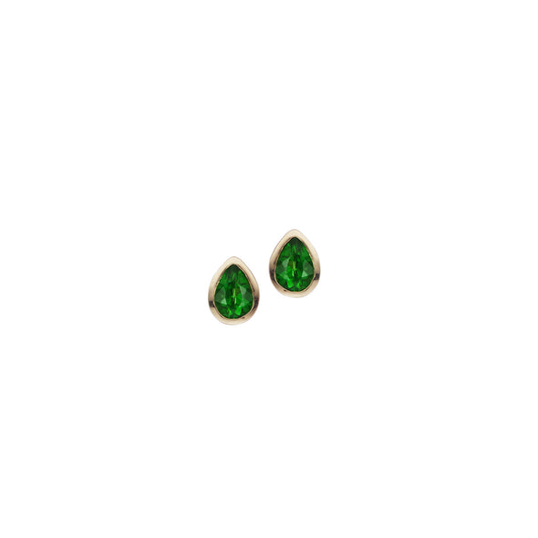 emerald stud earrings made from 18k gold