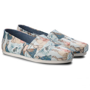 Women's Tom's Classic Blue Cinderella Printed Canvas Shoes