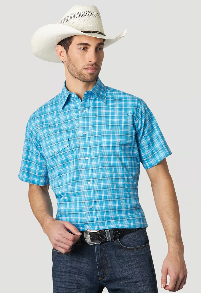 Men's Wrangler Wrinkle Resistant Turquoise Plaid Short Sleeve Shirt