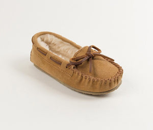 Girl's Minnetonka Cinnamon Cassie Slipper
