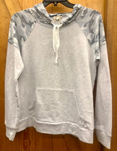 Load image into Gallery viewer, Women's Hem & Thread Grey Camo Hoodie
