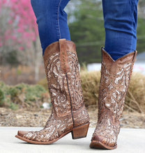 Load image into Gallery viewer, Women's Corral Golden Luminary Roots Western Boot