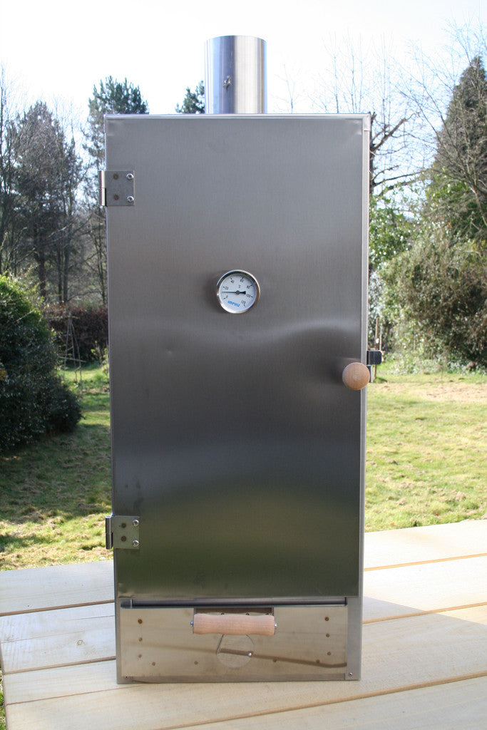 Insulated food smoker