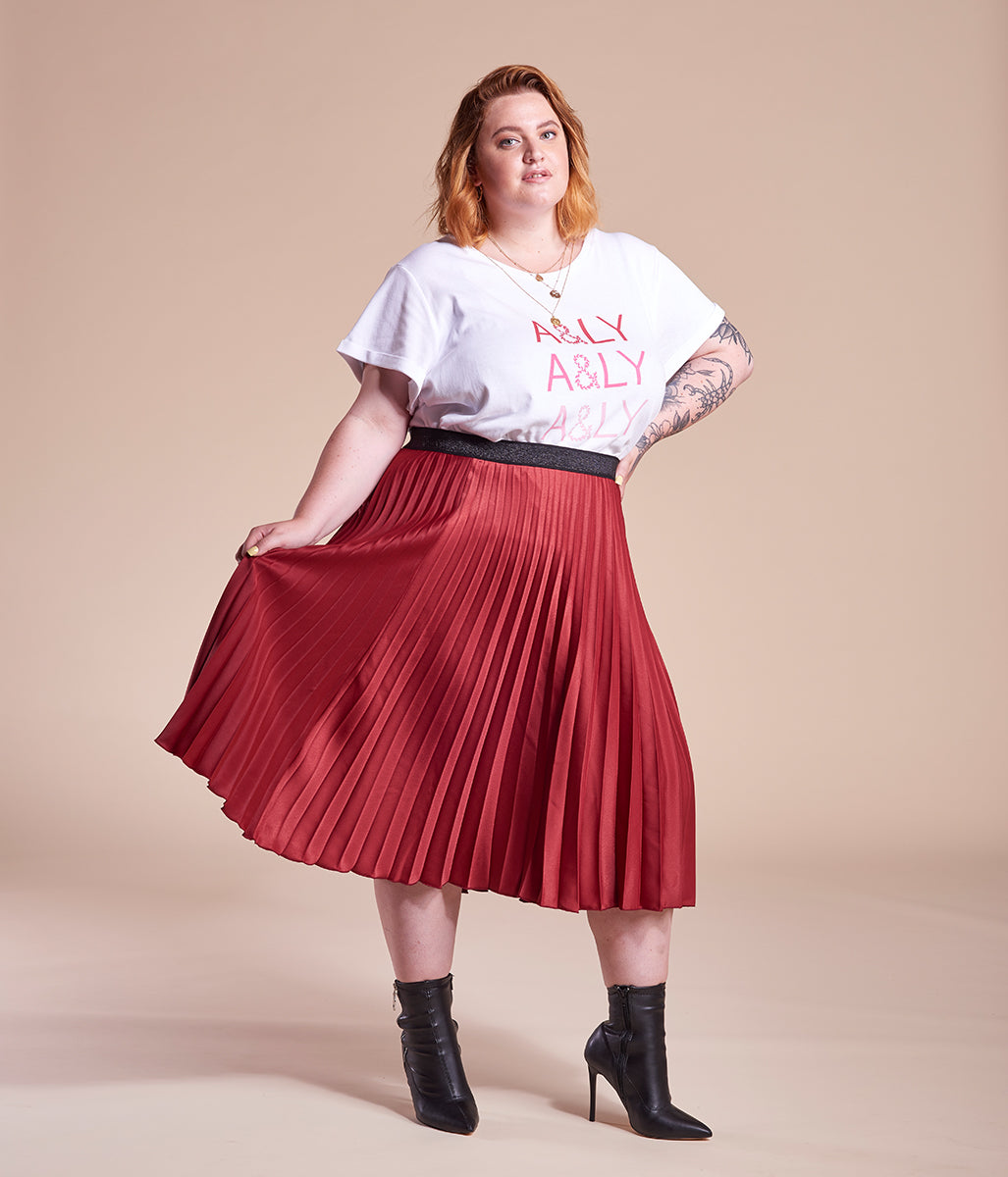 Laden Sie das Bild in den Galerie-Viewer, Favie Curvy Fashion A&LY T-Shirt weiß Plus Size Vorderansicht
