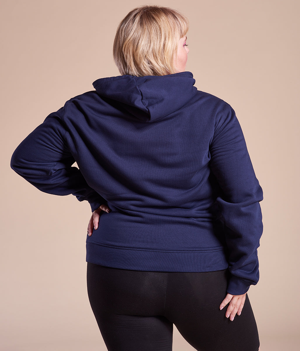 Laden Sie das Bild in den Galerie-Viewer, Favie Curvy Fashion nachhaltiger Hoodie Statement All Bodies blau Plus Size Rückansicht