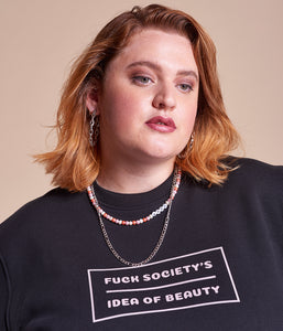 Favie Curvy Fashion nachhaltiges Sweatshirt Statement Fuck Society's Idea schwarz Plus Size Vorderansicht