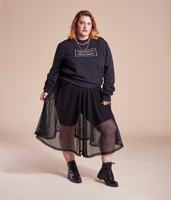 Favie Curvy Fashion Ashley Nell Tipton Rock Lochmuster schwarz Plus Size Vorderansicht
