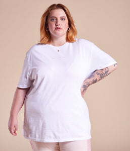 Favie Curvy Fashion Nosame T-Shirt Selbst designen Customizer Plus Size Stickerei Vorderansicht