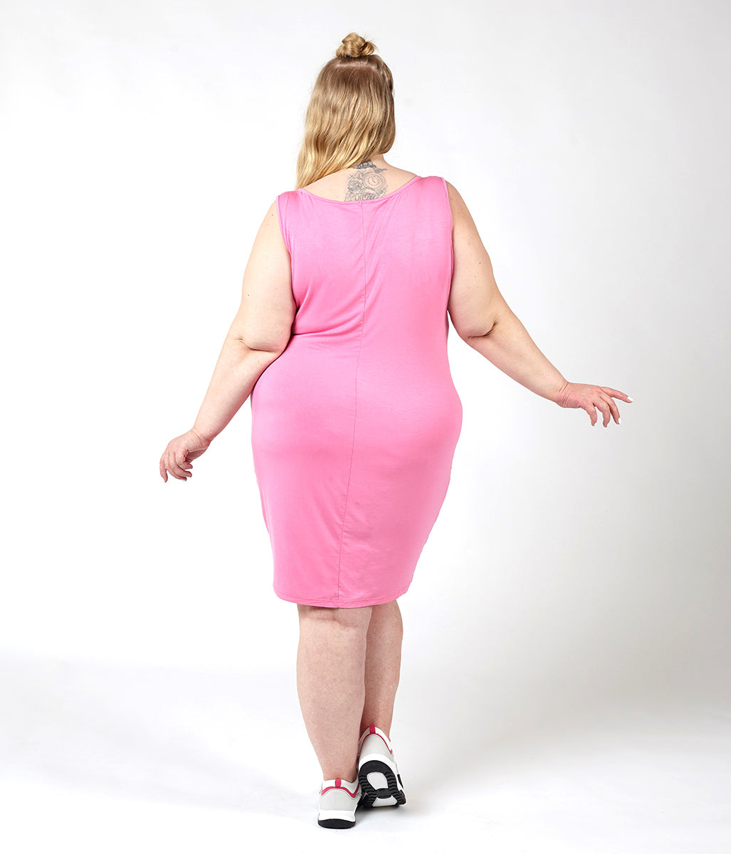 Laden Sie das Bild in den Galerie-Viewer, Favie Curvy Fashion Astra Signature Tanktop-Kleid rose Rückansicht Plus Size