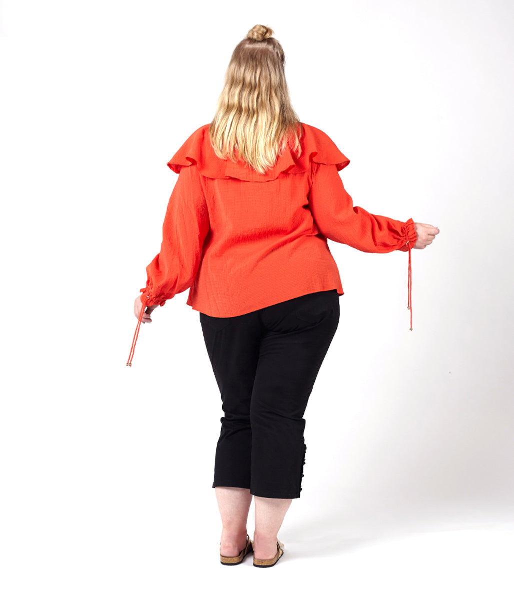 Laden Sie das Bild in den Galerie-Viewer, Favie Curvy Fashion Elvi Wickelbluse Rückansicht