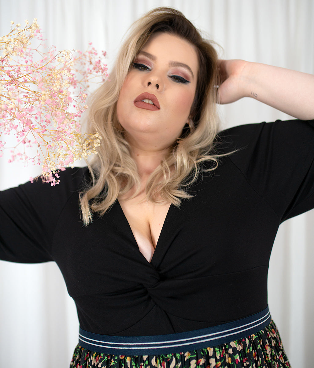 Laden Sie das Bild in den Galerie-Viewer, Favie Curvy Fashion Favie Body Vorderansicht Close