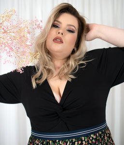 Favie Curvy Fashion Favie Body Vorderansicht Close