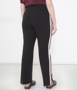 Favie Curvy Fashion See Rose Go Jogginghose Rückansicht