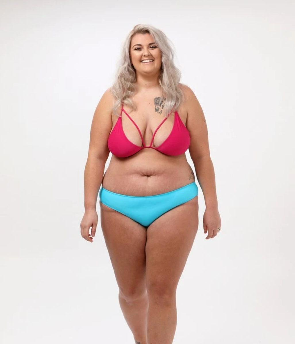 Laden Sie das Bild in den Galerie-Viewer, Favie Curvy Fashion GIRL GOT CURVES - Bikinihose - blau - Front