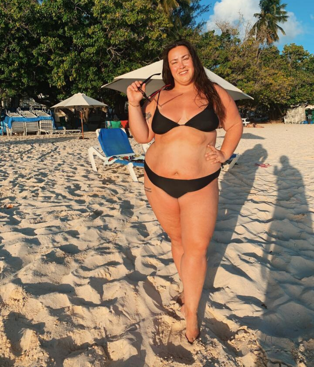 Laden Sie das Bild in den Galerie-Viewer, Favie Curvy Fashion GIRL GOT CURVES - Miranda Bikini Set Front