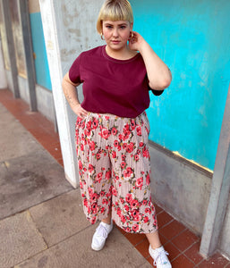 Favie Curvy Fashion A&LY Plissee-Hose Vorderansicht Plus Size