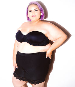Favie Curvy Fashion Ashley Nell Tipton Shorts Vorne Plus Size