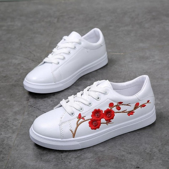 Casual sneakers met bloem - Ever After Eden