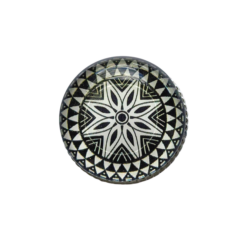 Knobs -  Black and White Mandala