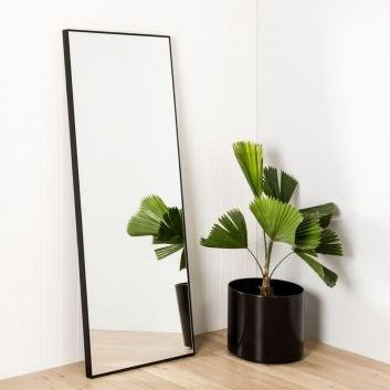 Wall Mirror Leaner - Black Curved Frame Fynn