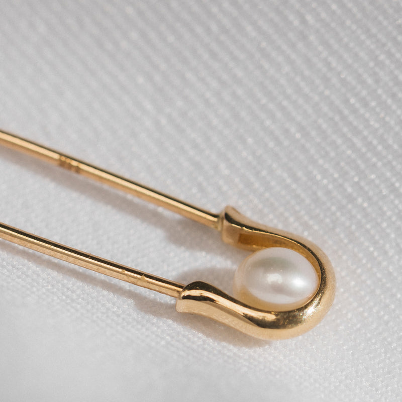 Pearl Safety Pin Earring