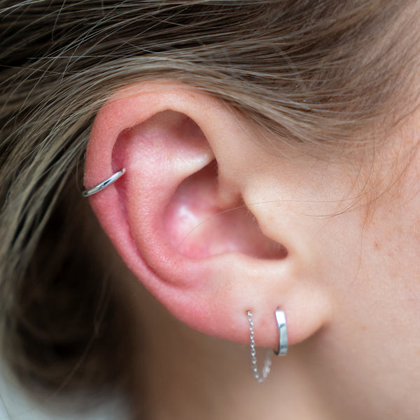 Single Seamless Cartilage Hoop