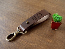 Load image into Gallery viewer, Monogrammed Keychain Leather, Fathers Day Gift from Son, Boyfriend Gifts, Mens Gift Idea, Personalized Key Fob, Gift for Dad, Gifts for Him