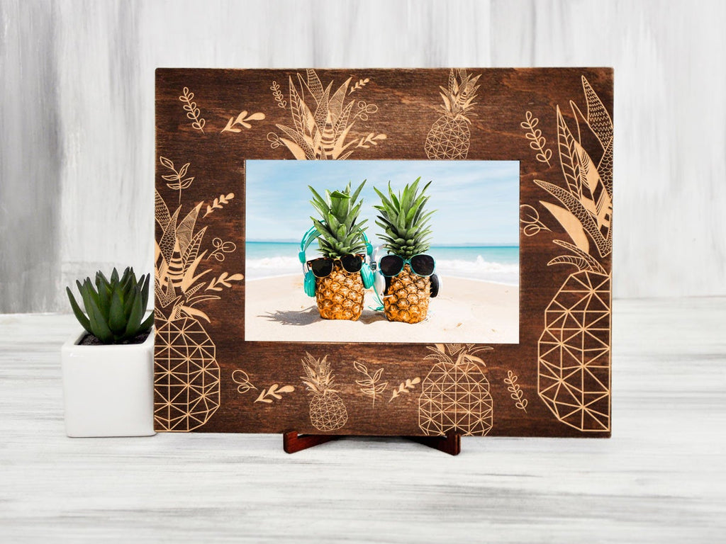 Pineapple Picture Frame Tropical Wood Photo Frame Vacation Gifts Idea for Coworker Engraved Frame Housewarming Gift 4x6 Rustic Picture Frame