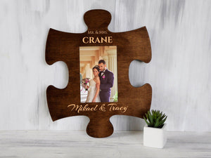 Custom Puzzle Piece Photo Frame Mr & Mrs Wedding Gift for Couple Engraved Picture Frame for 4x6 Photos Original Housewarming Gift Wall Frame