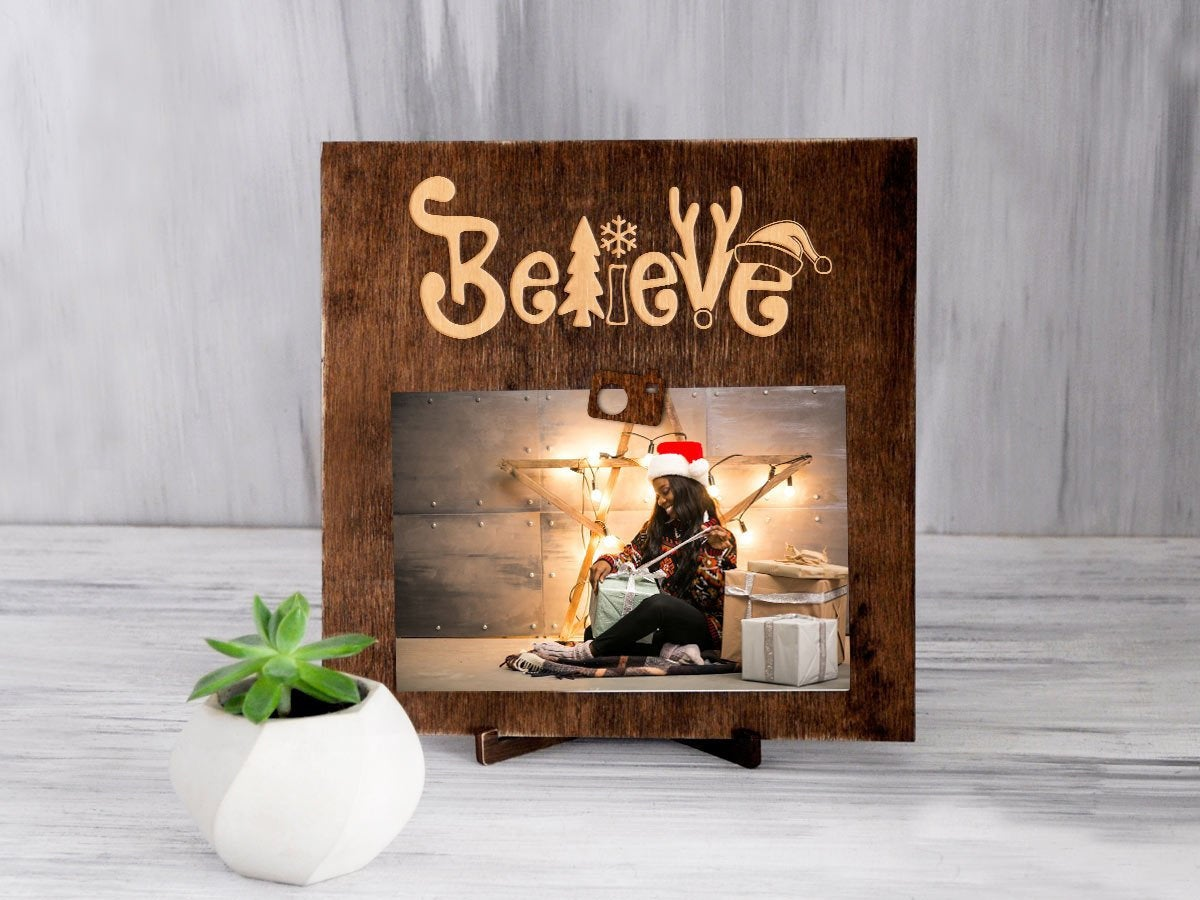 Christmas Frame Believe Christmas Gift Wood Clip Frame Engraved Picture Display Unique Photo Frame Gift for Daughter Christmas Decoration