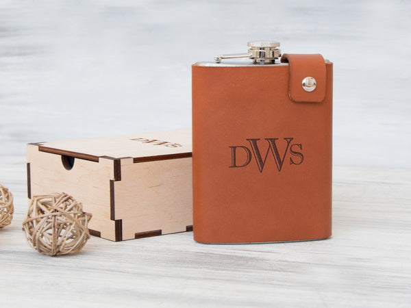 Personalized Leather Flask Custom Engraved Flask Fathers Day Gift Personalized Gifts for Dad Groomsmen Flask Gift Box Hip Flask Gift for Him