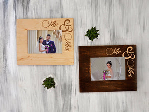 Wedding Picture Frame Mr & Mrs Gift Engraved Wood Photo Frame Wedding Gift for Couple Custom Frame New Family Gift Rustic Picture Frame 4x6
