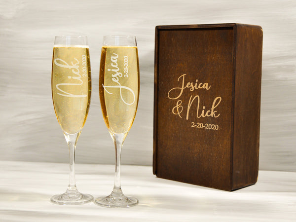 Set of 2 Personalized Wedding Flutes Engraved Couple Champagne Glasses Custom Gift for Couple Groom Bride Champagne Glasses Anniversary Gift