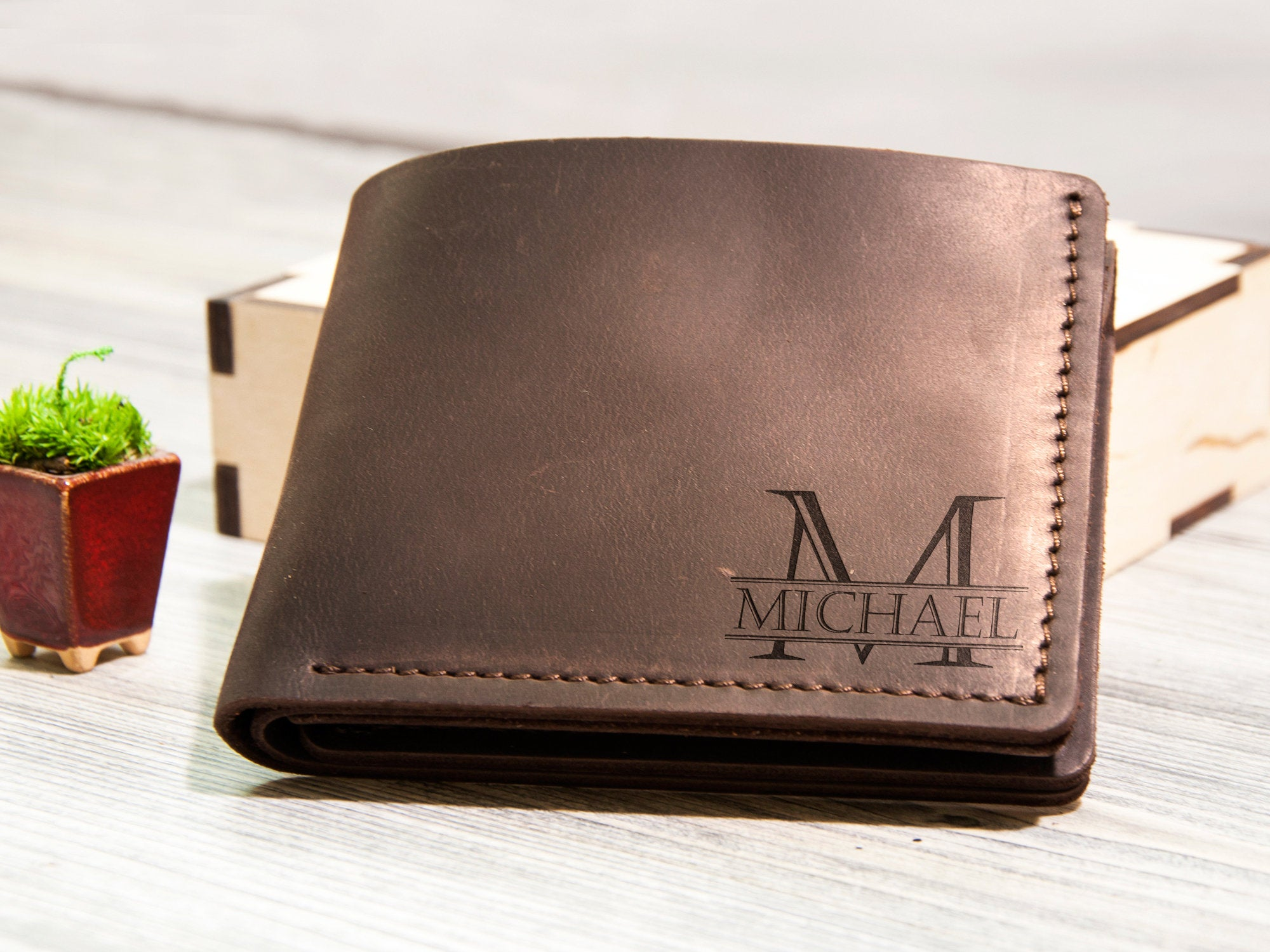 Personalized Gift for Men Personalized Mens Wallet Leather Gift for Him Personalized Leather Wallet Groomsmen Gift Fathers Day Gift for Dad