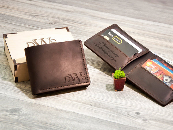 Personalized Engraved Men's Leather Wallet