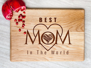 Wood Cutting Board Best Mom in the World Engraved Board Mothers Day Gift Personalized Wood Cutting Boards Kitchen Decor Christmas Gift Ideas