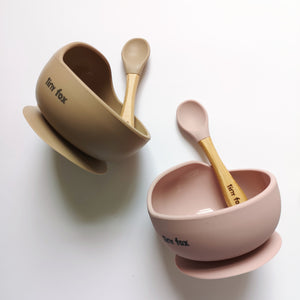 Suction bowl and bib set