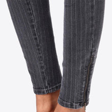 Load image into Gallery viewer, JEAN SKINNY TAILLE MI-HAUTE STELLA MCCARTNEY
