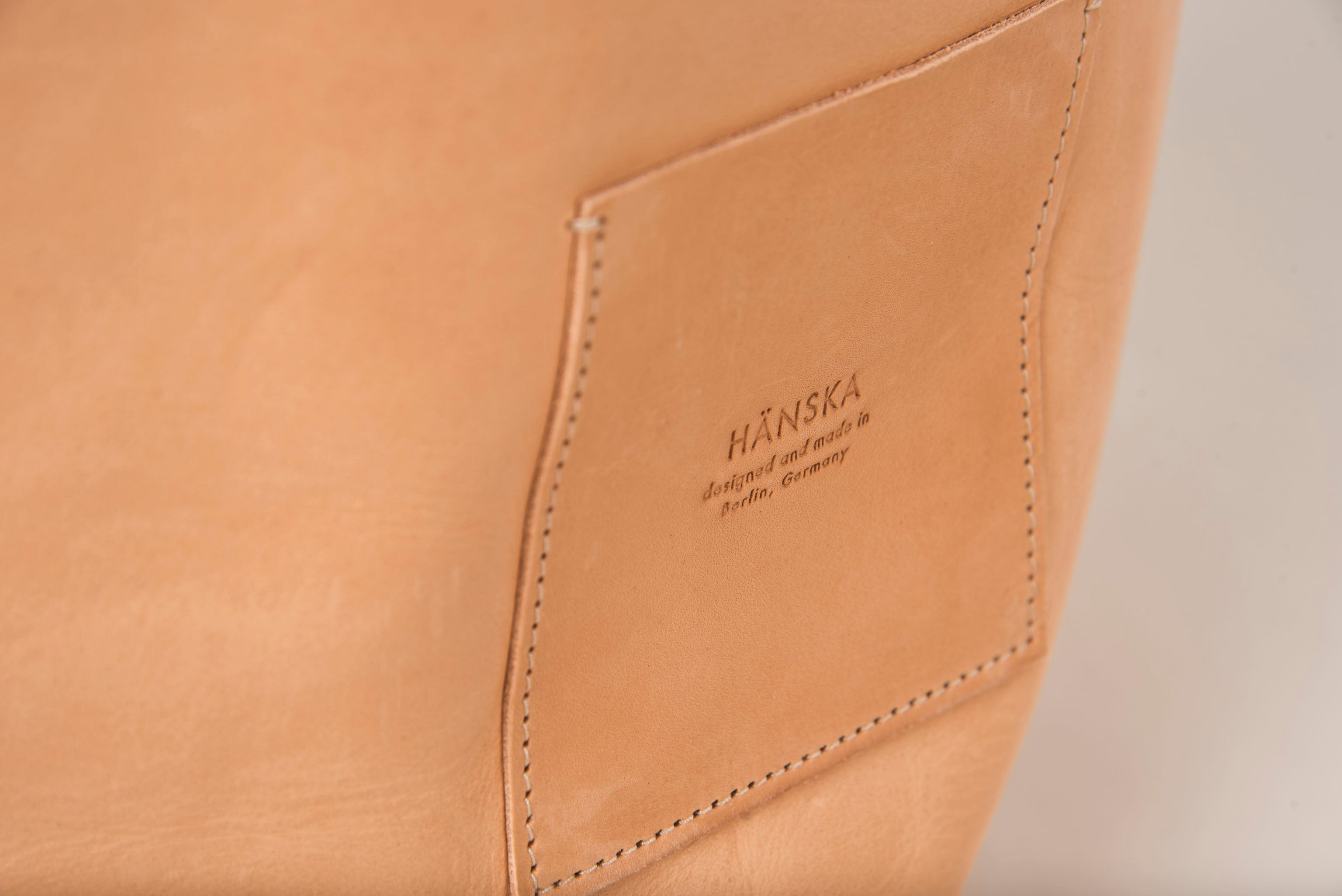ONTZI  natural leather