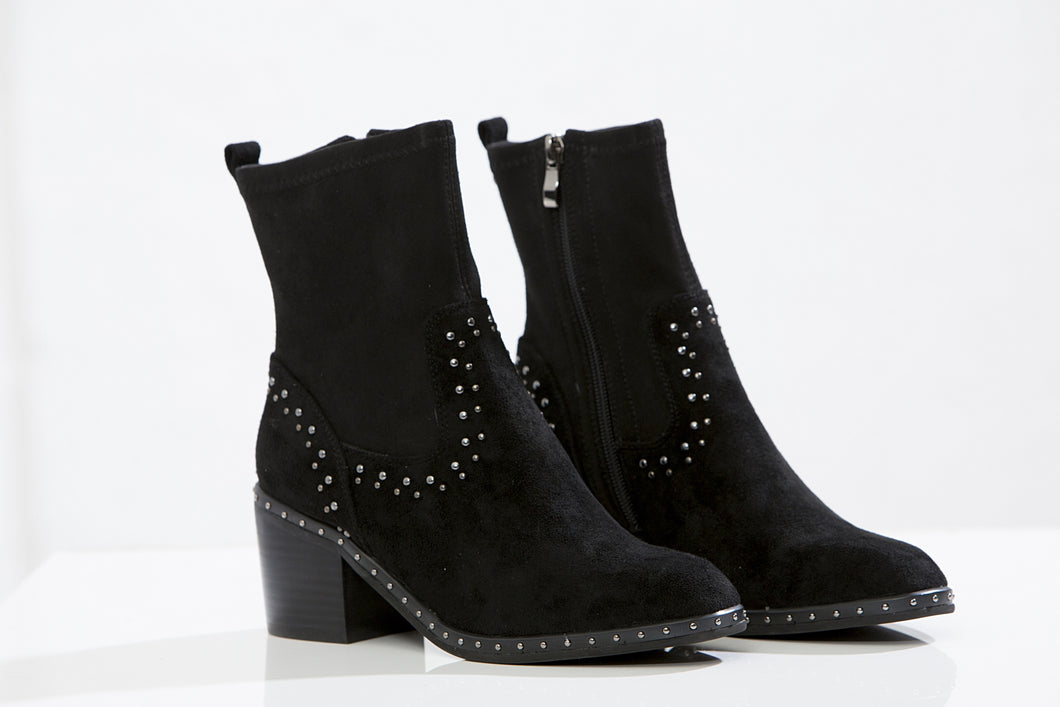 DELOTTO studded ankle boots